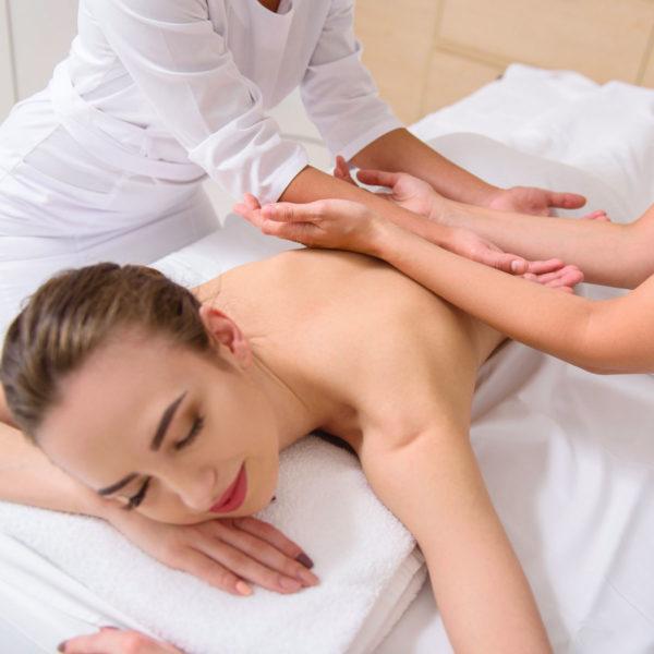 massoggio a 4 mani, trattamenti benessere, san severino marche, palazzo gentili, centro spa, massaggi