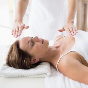 trattamento reiki, Natasa Vasovic, massaggi olistici, consapevolezza, massaggio, testa, relax, benessere, san severino marche, centro benessere, SPA, trattamenti