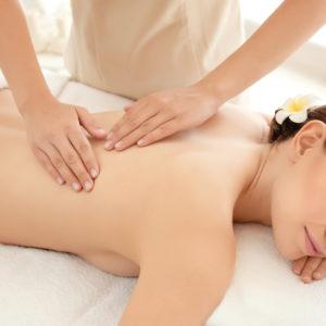 Massaggio idratante al burro di Karitè